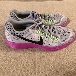 Never Worn Nike Size 8 Tennis Shoes